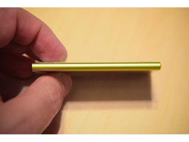 Design ultra-mince pour le nouvel iPod Touch. Sur la photo : les contrôles de volume