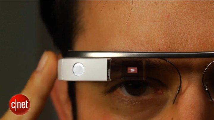 Les Google Glass se montrent enfin
