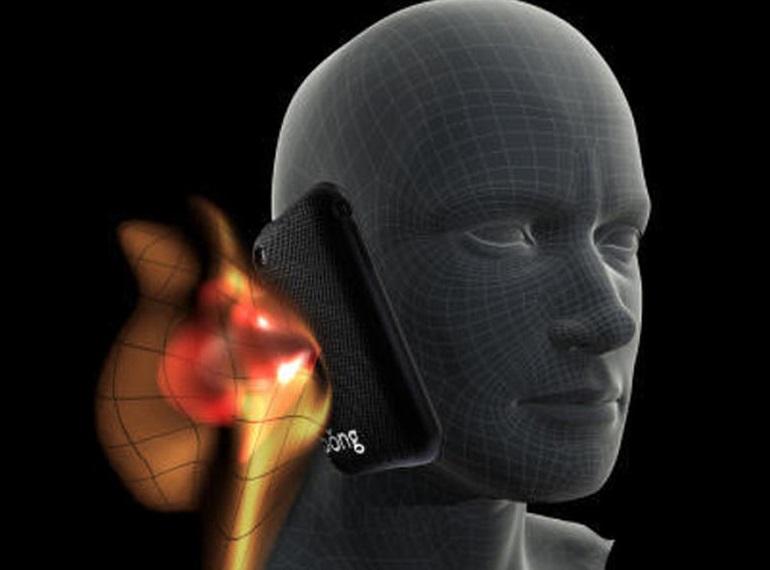 DAS : les 10 smartphones qui émettent le plus de radiations