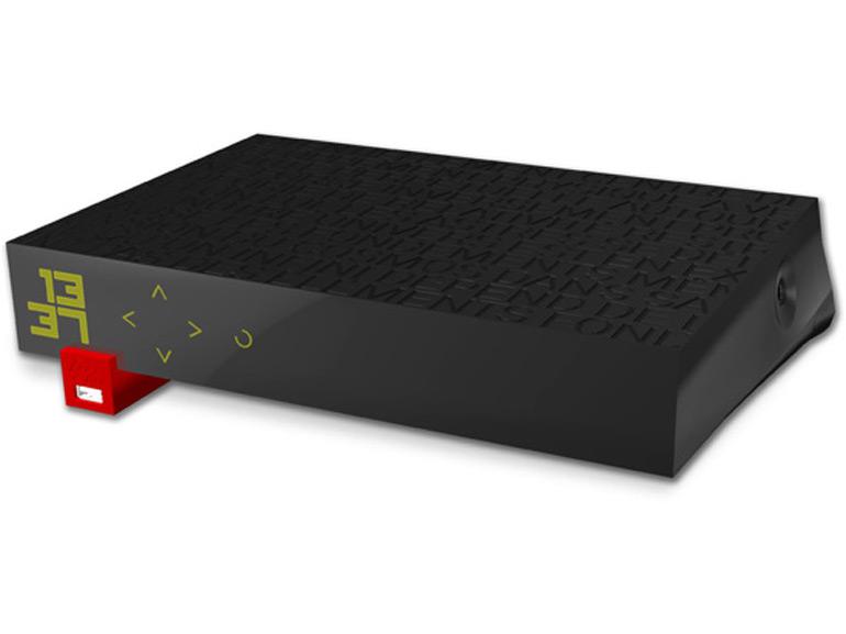 Freebox Révolution : CanalSat Panorama inclus pour 39,99 euros par mois