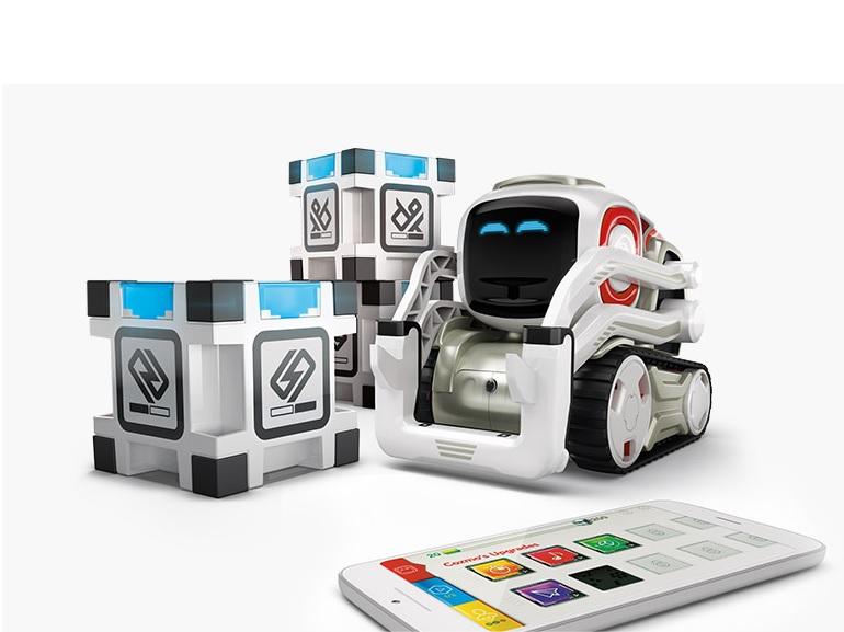 Cozmo, le robot miniature sera disponible en France dès la rentrée 2017