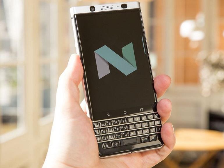 IFA 2017 : un smartphone sans clavier pour BlackBerry
