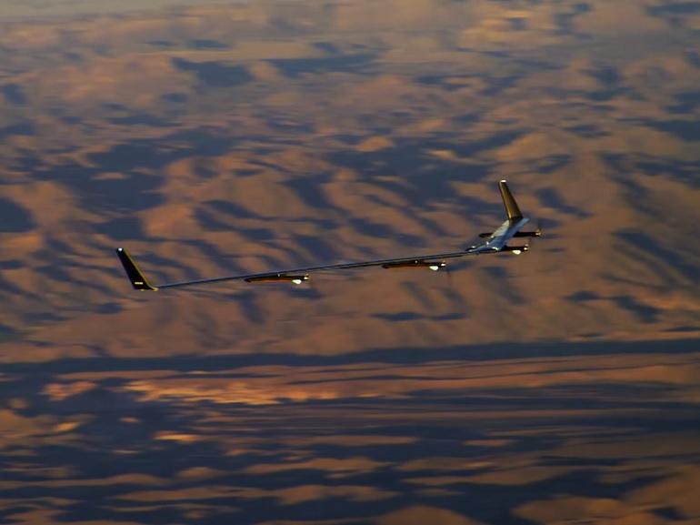Aquila, le drone géant et solaire de Facebook fait un sans faute