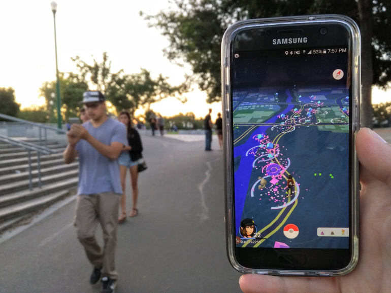 https://d1fmx1rbmqrxrr.cloudfront.net/cnet/i/edit/2017/07/pokemon-go-catching-em-all.jpg