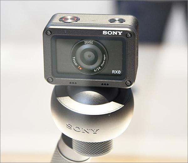 Camera Sony RX0 avec objectif Zeiss