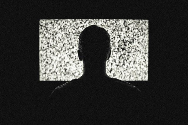 https://d1fmx1rbmqrxrr.cloudfront.net/cnet/i/edit/2017/09/night-television-tv-theme-machines.jpg