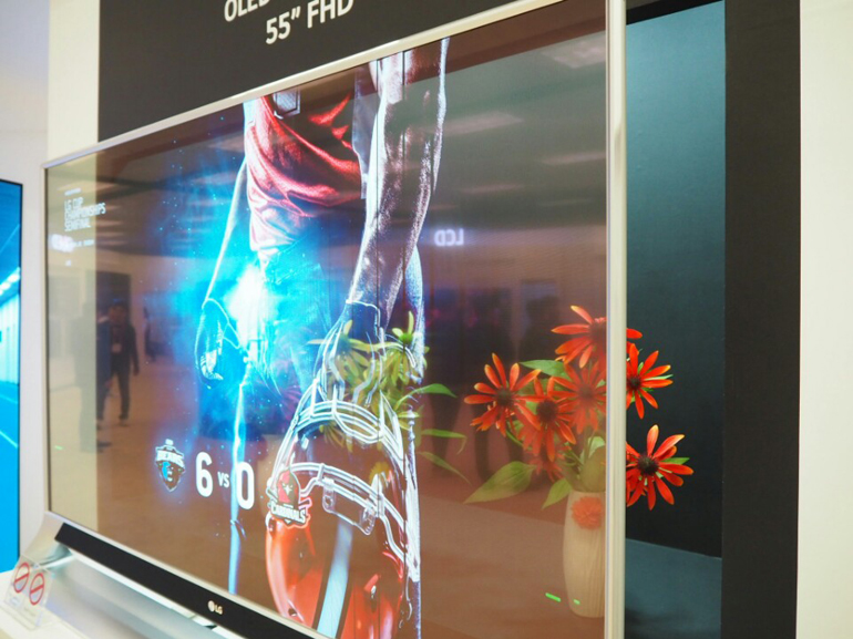 https://d1fmx1rbmqrxrr.cloudfront.net/cnet/i/edit/2017/10/lg-display-transparent-oled.jpg