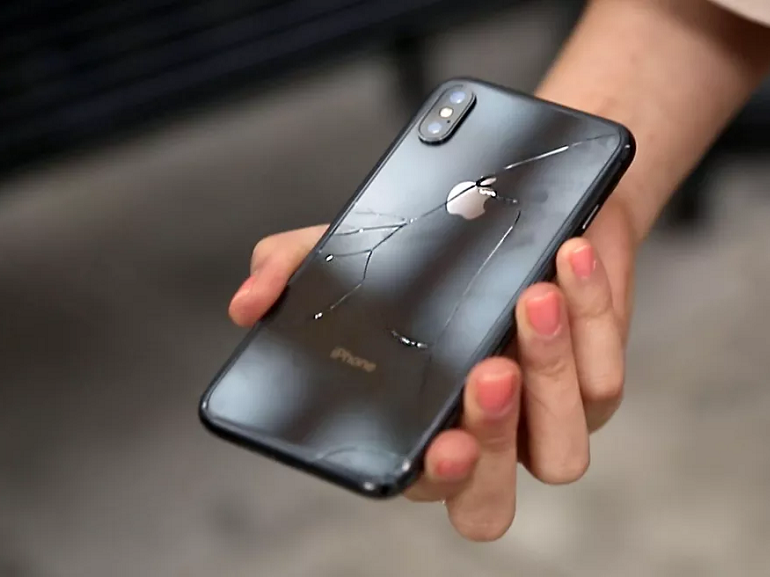 Crash test : l'iPhone X se brise au premier impact