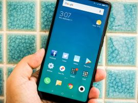 Test : Le Xiaomi Mi Mix 2 est beau et puissant, mais il ne parle pas français