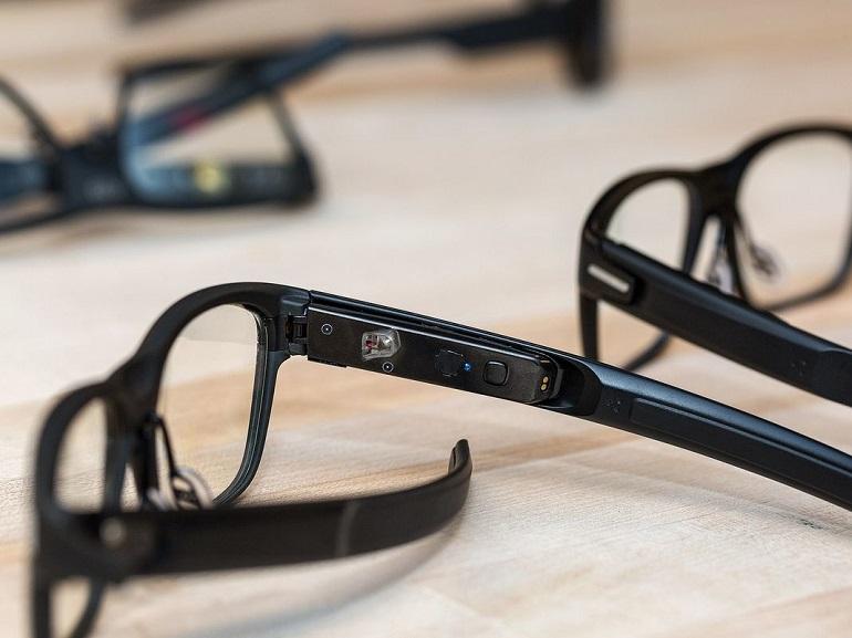 Avec ses lunettes connectées, Intel parie sur la discrétion et le laser