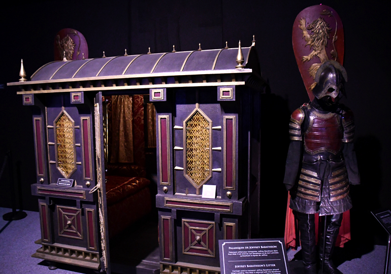 https://d1fmx1rbmqrxrr.cloudfront.net/cnet/i/edit/2018/08/9got-expo-palanquin.jpg