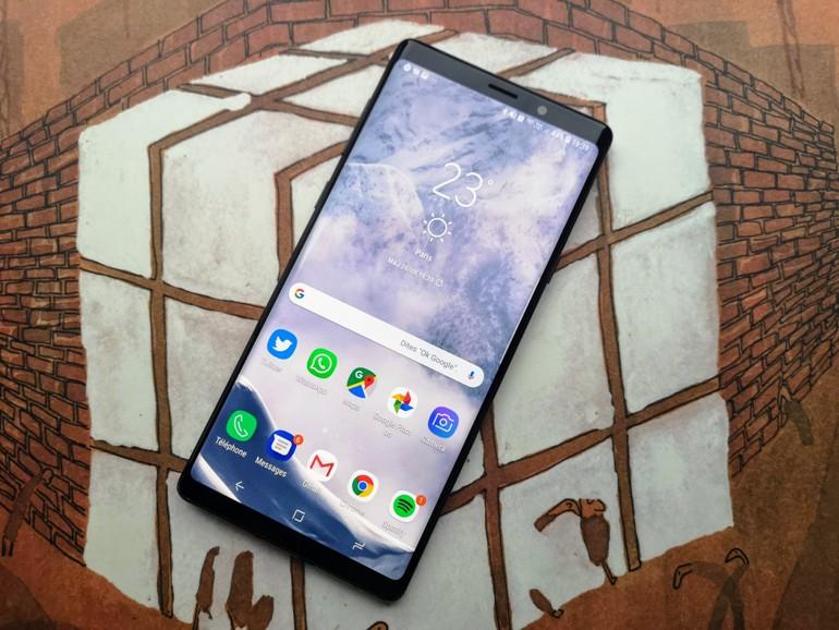 Samsung : une caméra sous l'écran pour éviter l'encoche ?