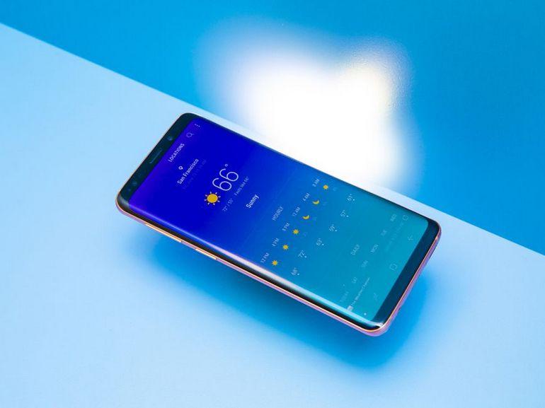 Samsung Galaxy S10 : l'écran entièrement bord à bord semble se confirmer