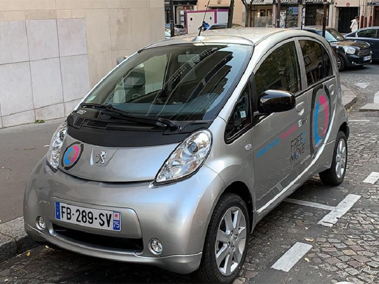 Test de Free2Move, les voitures en libre-service et sans borne à Paris