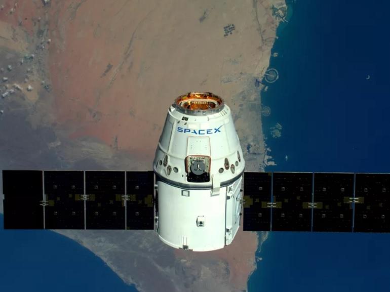 SpaceX a l'autorisation de lancer ses 4425 satellites pour connecter le monde à Internet