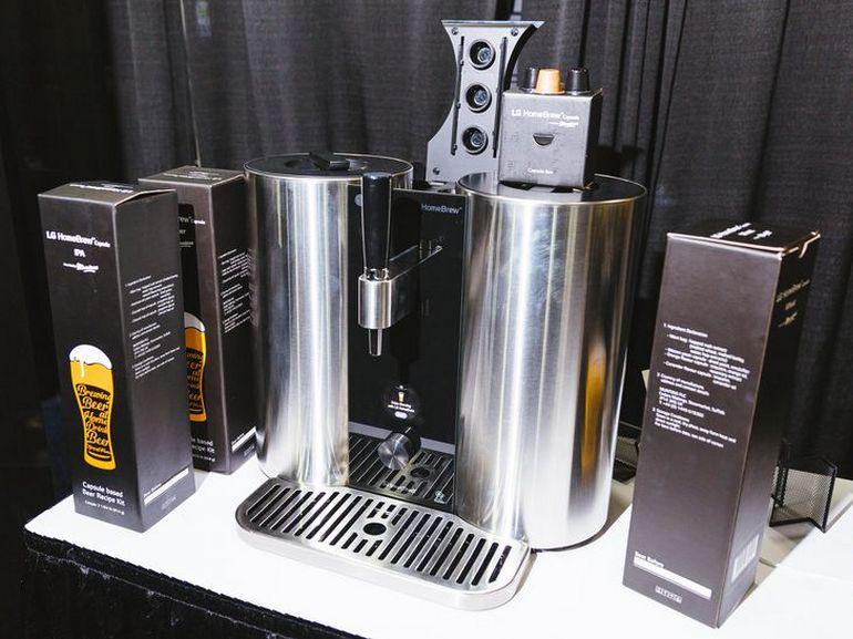 CES 2019 : LG Homebrew, une machine pour brasser sa bière avec des capsules