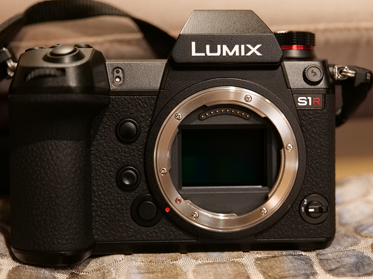 https://d1fmx1rbmqrxrr.cloudfront.net/cnet/i/edit/2019/02/lumix-s1-s1r-capteur.jpg
