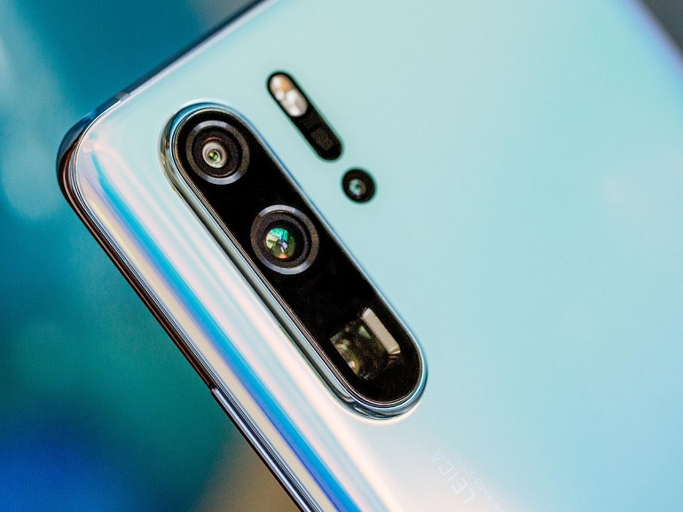 Test : la caméra du Huawei P30 Pro surpasse celle du Galaxy S10 Plus dans deux conditions