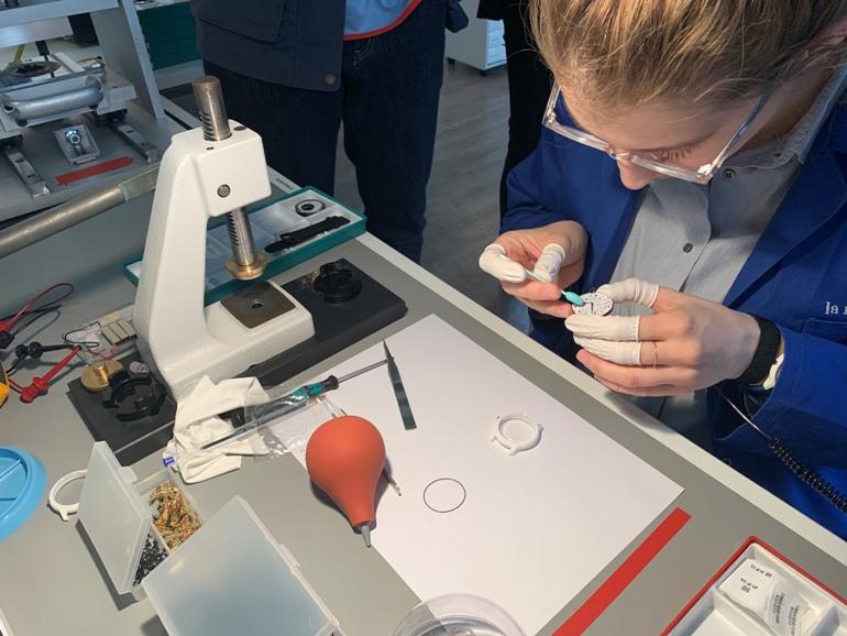 Withings lance sa montre connectée « made in France » : découverte de la manufacture et ce que l'on en pense