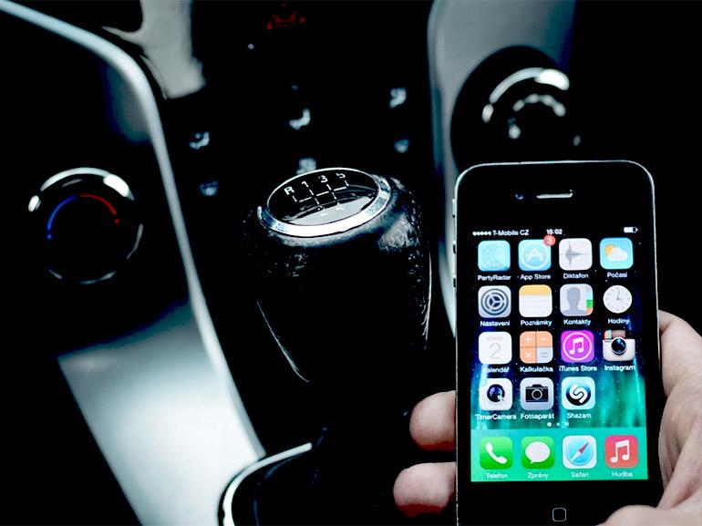 5 applis pour la voiture à installer avant de prendre la route des vacances