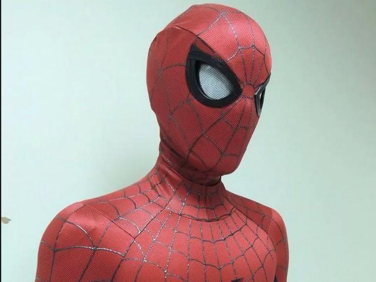 Ce masque de Spider-Man avec des volets oculaires motorisés est impressionnant (mais pas donné)