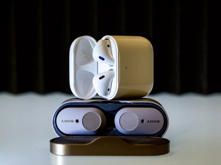 Apple AirPods 2 vs Sony WF-1000XM3 : le grand match des écouteurs True-Wireless