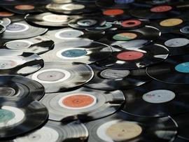Les ventes de vinyles en passe de détrôner les CD aux États-Unis