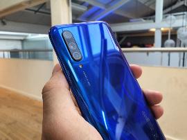 Prise en main - Xiaomi Mi 9 Lite : une nouvelle version allégée pleine d'arguments