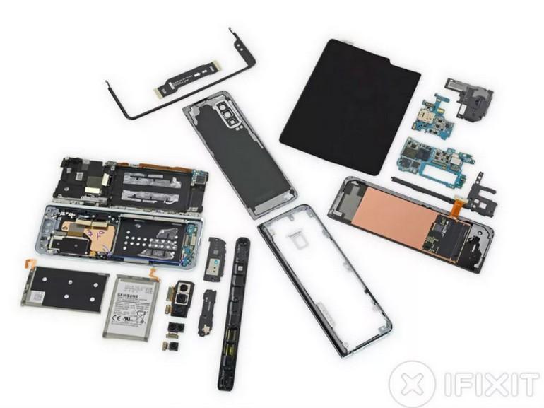 Galaxy Fold : le démontage par iFixit révèle les améliorations apportées par Samsung