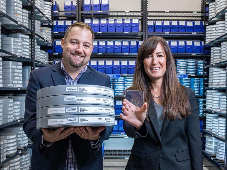 Microsoft développe une solution de stockage durable sur du verre