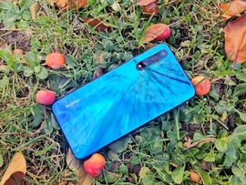"Test du Huawei Nova 5T : ""On se connaît, non ?!"""