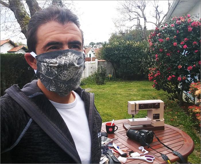 Masque barrière en place