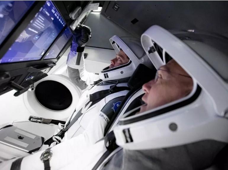 La Nasa et SpaceX sont sur le point de s'envoler dans l'espace...avec un écran tactile - CNET France