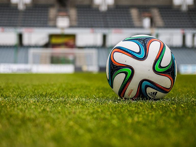 Football à la TV : streaming, chaînes, prix, matchs... tous les abonnements à la loupe