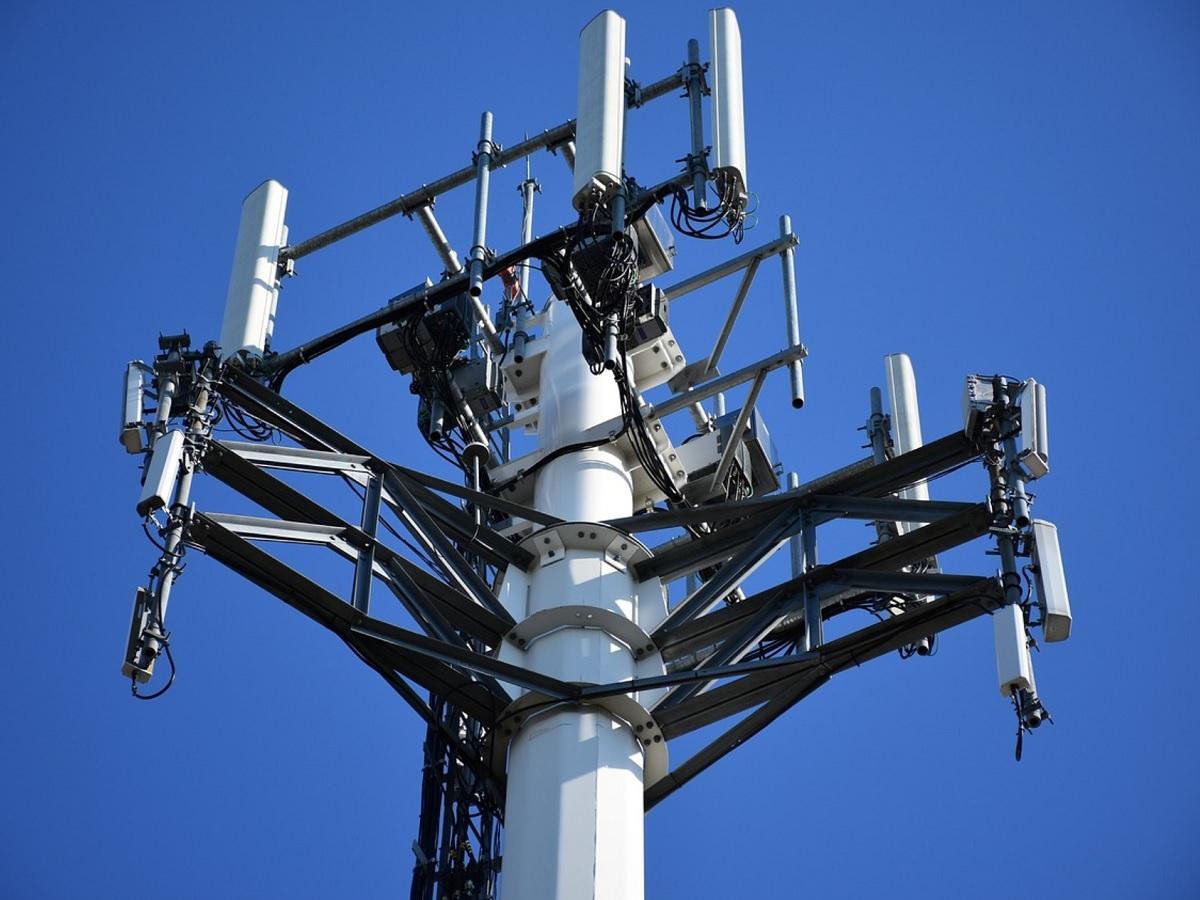 Déploiement de la 5G : Free toujours en tête, mais Orange domine sur la bande des 3 500 MHz
