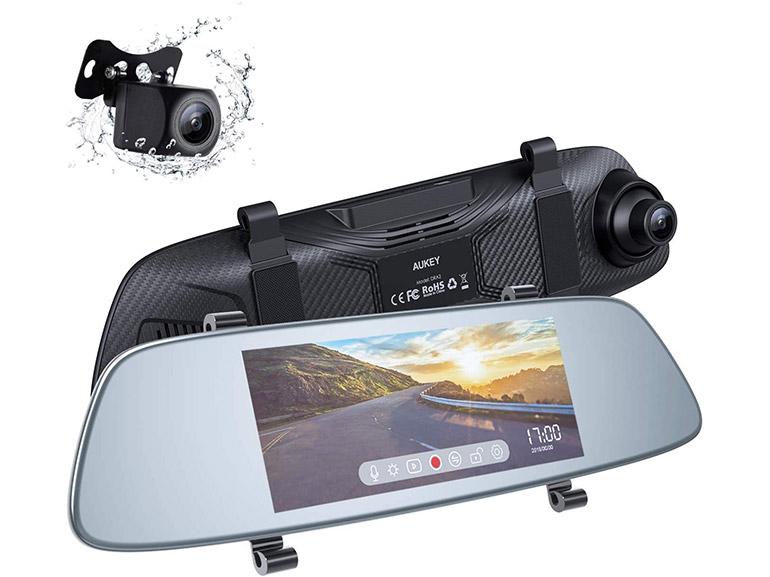 Bon plan : une dashcam avant-arrière avec écran et caméra de recul à 37,99€