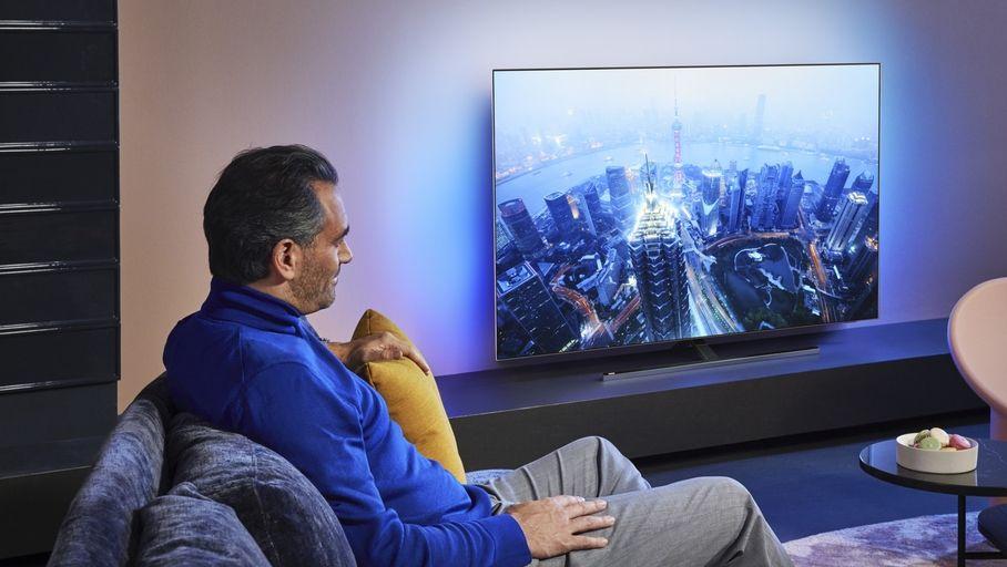 Le téléviseur Philips OLED 805 offre un excellent confort visuel, avec un taux de contraste très élevé.
