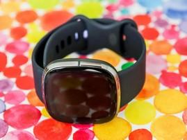 Test Fitbit Sense : une montre ambitieuse qui s'améliore avec le temps