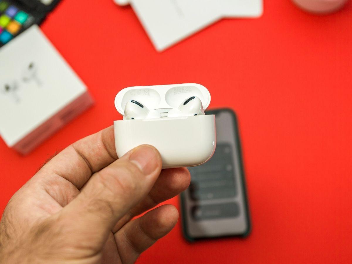 Apple AirPods Pro : prix, test, bons plans soldes et caractéristiques, ce qu'il faut savoir