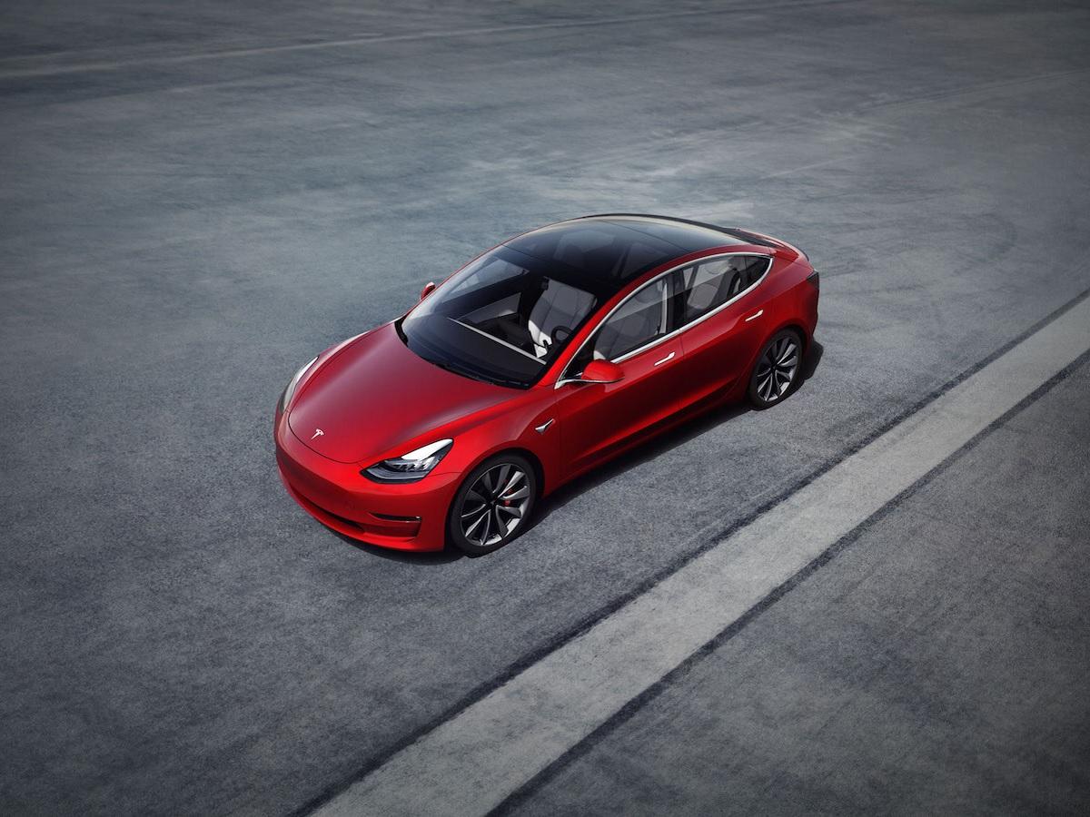 La Tesla Model 3 voit son prix baisser en 2021