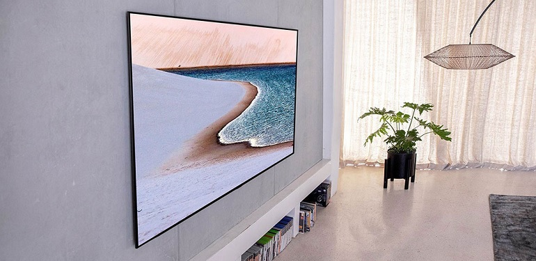 Le téléviseur Oled 77 pouces LG 77GX dans un intérieur moderne