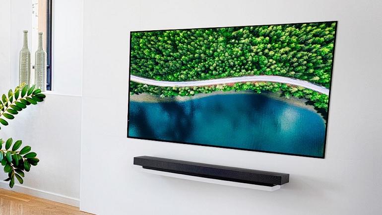 Le téléviseur Oled 65 pouces LG OLED65WX9LA, photo en situation