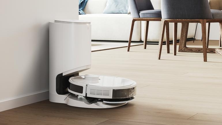 l'aspirateur-robot Ecovacs Deebot N8+ et sa station de vidange automatique