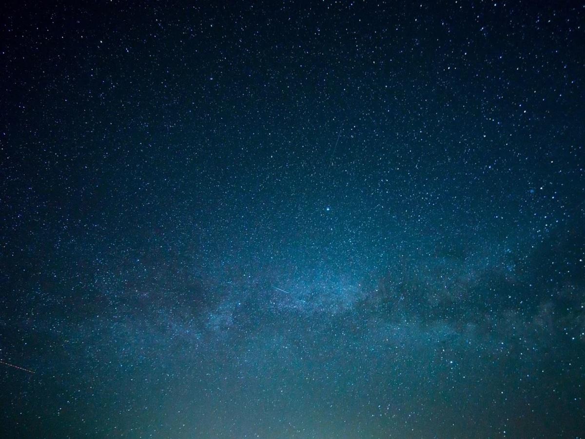 Astronomie : la pluie d'étoiles des Orionides est attendue cette nuit, voici comment l'observer