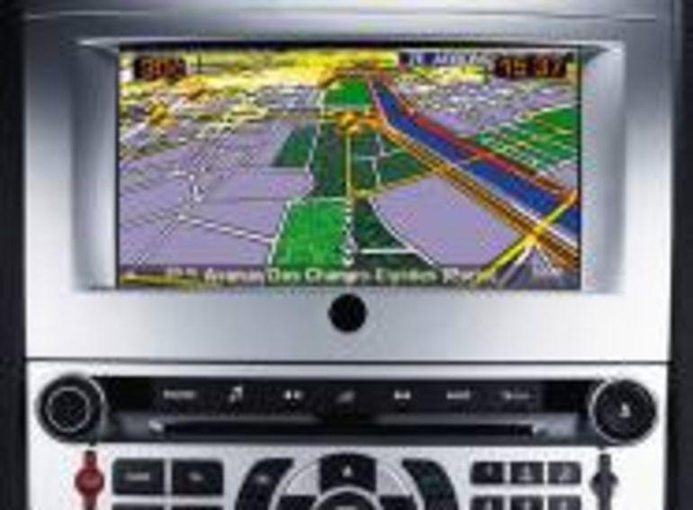 Disque dur et cartographie 3D pour le nouvel ensemble de navigation RT4 de PSA