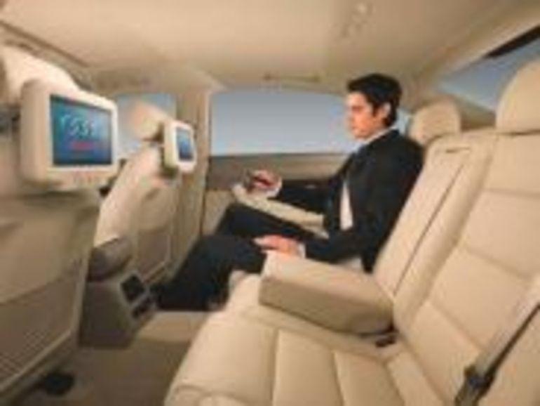 Les passagers arrière de l'Audi A6L auront droit à un écran géant