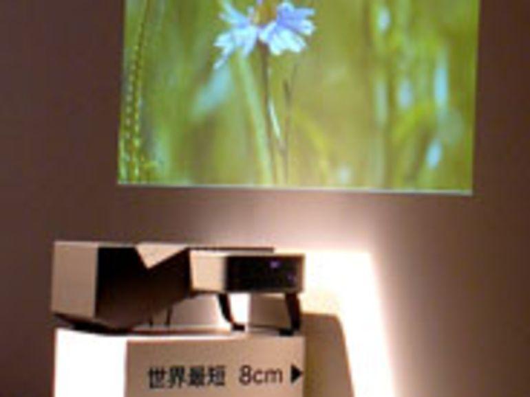 Sanyo lance le LP-XL50, un vidéoprojecteur à focale ultra-courte