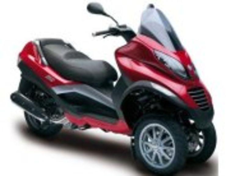 Le Piaggio MP3 sera bientôt le premier scooter hybride