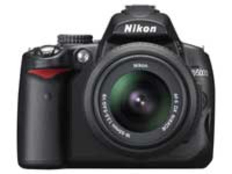 D5000 : un reflex avec écran LCD rotatif signé Nikon