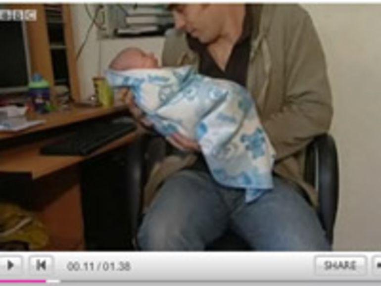 Un Anglais aide sa femme à accoucher grâce à YouTube !